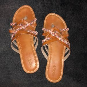 Roxy Sandals - size 9 fit like an 8